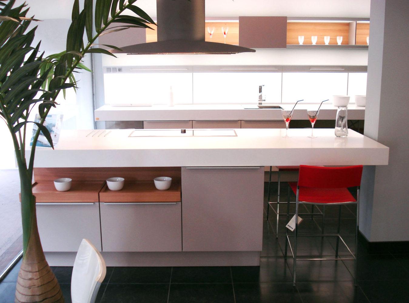 Plan De Travail Avec Jambage cuisine - manufacture contemporaine bois & corian