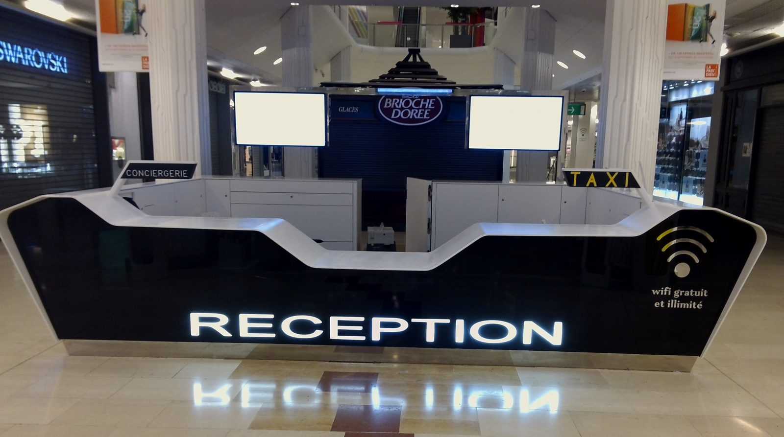 Banque réception en Corian®