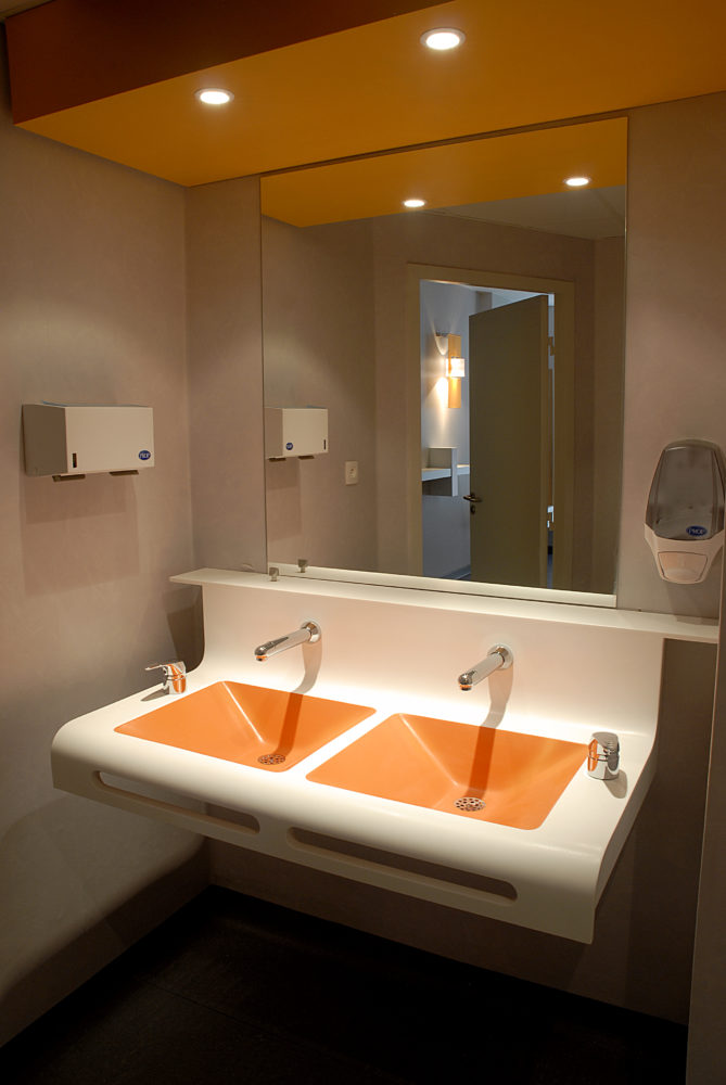 Plan vasque couleur double en Corian®