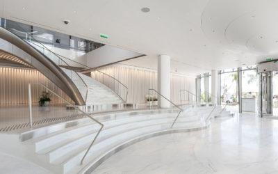 Le Corian® dans tous ses états dans le palace JW Marriott à Cannes